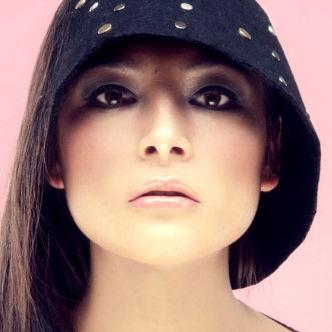 Magaly Solier sorprende con renovado look en la revista Bash