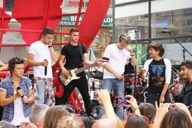 One Direction rompe récord de asistencia a concierto en 'Today Show' - Videos