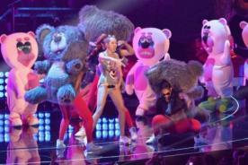 Miley Cyrus acusada de corromper la inocencia de los osos de peluche