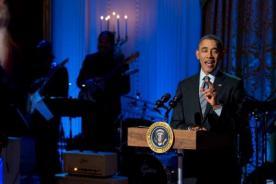 Barack Obama es blanco de burlas por no deletrear correctamente