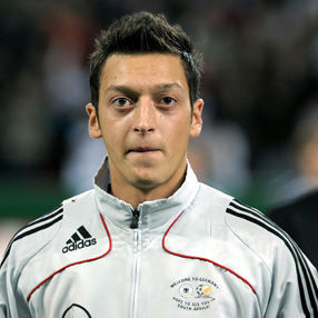 Mesut Ozil: Mourinho es como mi padre para mí
