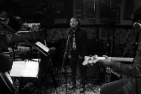 Café Tacuba presenta videoclip de 'De este lado del camino'