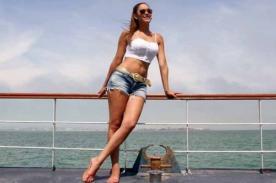 Karen Schwarz demuestra toda su sensualidad desde altamar (Fotos)