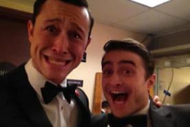 Daniel Radcliffe posa en detrás de cámaras del Oscar 2013 - Foto