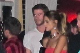 ¡Eiza González y Liam Hemsworth besándose! - Foto