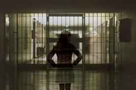 Encarcelan a mujer austriaca tras ser violada en Dubái y no casarse con violador
