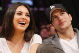 Mila Kunis y Ashton Kutcher se burlan de sí mismos en Two and a Half Men