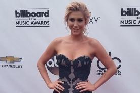 KeSha coquetea con cámara de los Billboard 2014 agarrando sus senos - Video