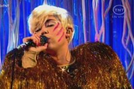 Miley Cyrus presentó canción de The Beatles en los Billboard 2014 - Fotos