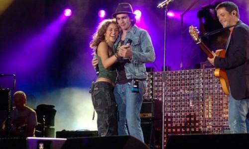 Juanes le seguirá los pasos a Shakira con canciones en inglés