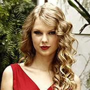Taylor Swift recibe una serenata romántica en The Tonight Show