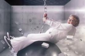 Betty White, de 91 años, imita a Miley Cyrus para publicidad - Video