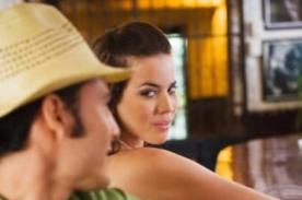 Mujeres que mandan señales adecuadas son más atractivas para los hombres