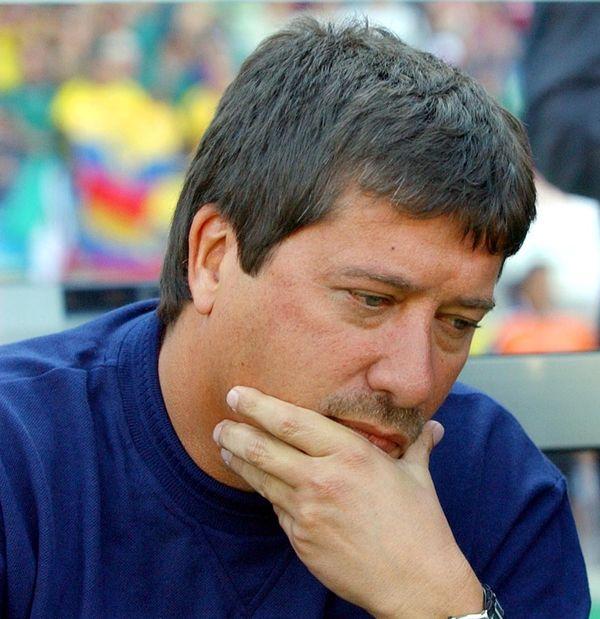 Federación colombiana aceptó la renuncia del Bolillo