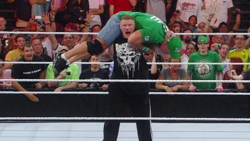 Video: Brock Lesnar regresó a la WWE y dejó en la lona a John Cena