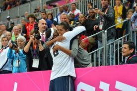 Olimpiadas 2012: Michelle Obama realiza insólito gesto en Juegos de Londres