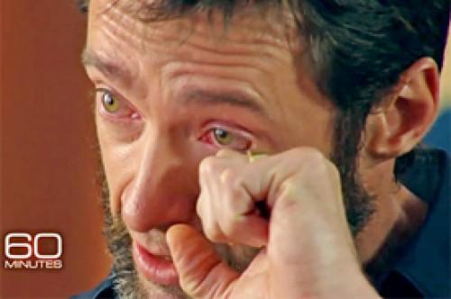 Hugh Jackman lloró en entrevista al recordar cuando su madre lo abandonó