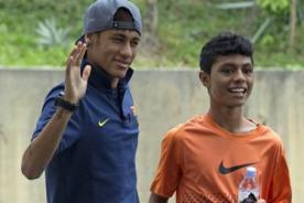 VIDEO: Neymar jugó 'fulbito' en Bangkok