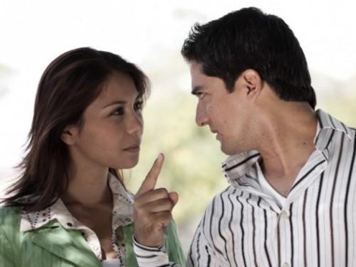 Mujeres pueden detectar infidelidad con la mirada
