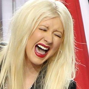 Christina Aguilera deslumbró con presentación en el Super Bowl