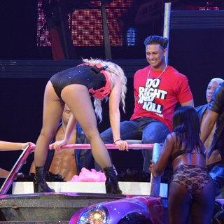Britney Spears deleitó a Pauly D con sensual baile en concierto en Puerto Rico