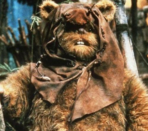 Actor Ewok de Star Wars podría ir a la cárcel por mostrar sus genitales
