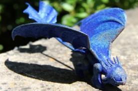Niña recibe dragón de titanio tras enviar carta a científicos de CSIRO - FOTOS