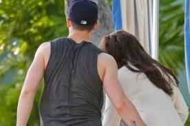 Nick Jonas es captado tocando el trasero de Olivia Culpo (Fotos)
