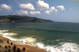 Mexicanos temen el fin del mundo por fuerte oleaje en Acapulco - VIDEO