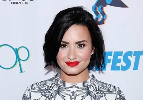 Instagram: ¿Demi Lovato recibió su anillo de compromiso?