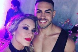 Este selfie de Leslie Shaw y Coto Hernández esconde secreto íntimo - FOTO