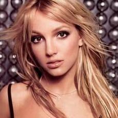 Britney Spears niega tener una doble en video Hold It Against Me