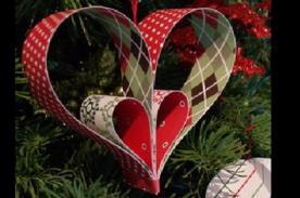 Adornos Navideños: Decora tu árbol con corazones de cartón