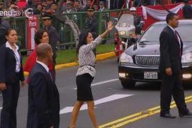 Nadine Heredia es ovacionada en su llegada a la Parada Militar
