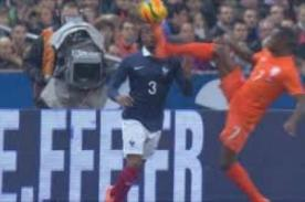 Holanda vs. Francia: Patrice Evra recibió dolorosa patada en la cara - VIDEO