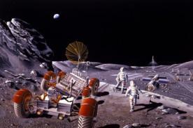 Stephen Hawking afirma que en 50 años el hombre vivirá en la Luna