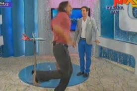 Video: Miguel Arce y Antonio Pavón bailaron en tacos como Karen Schwarz