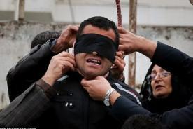 Condenado a la horca es indultado: madre de la víctima lo perdonó - FOTOS