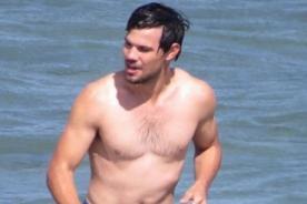 Taylor Lautner presume cuerpazo en las playas de Los Ángeles [FOTOS]