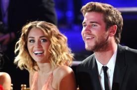 Miley Cyrus lució su anillo de compromiso con Liam Hemsworth