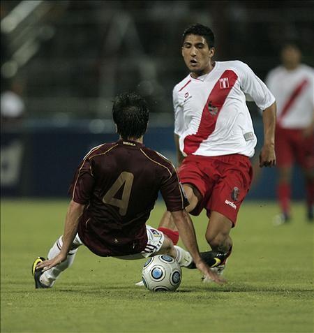 Josepmir Ballón podría reforzar a River Plate