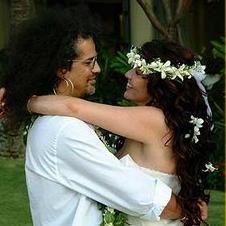 El guitarrista Slash renueva votos matrimoniales con su esposa