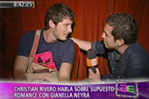 Christian Rivero no se pierde de la nueva obra de Gianella Neyra