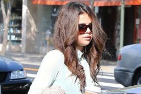 Selena Gomez aprovecha su tiempo libre para pasear con su mamá - Fotos