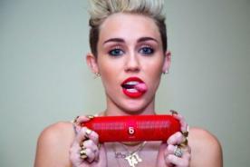 Video: Lily Allen le hizo provocativo 'twerking' a Miley Cyrus