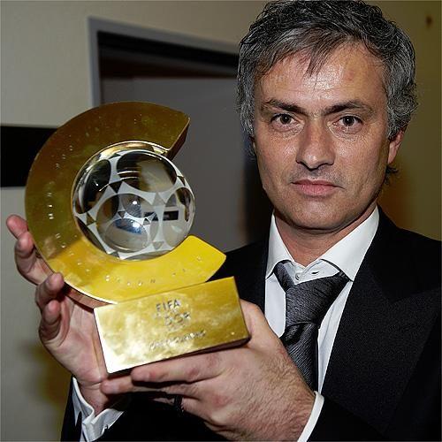 José Mourinho dona Balón de Oro para ser subastada
