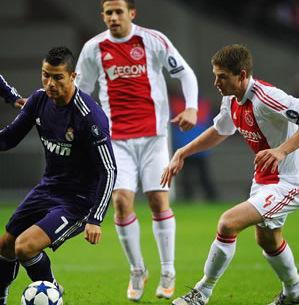 Video del Ajax vs Real Madrid (0-3) - Minuto a Minuto - Champions League 2011