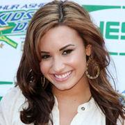 Demi Lovato admira la carrera actoral de Dakota Fanning