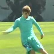 Justin Bieber entrena con el equipo del FC Barcelona