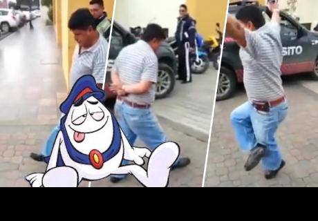 Policía detiene a hombre 'pasado de copas' y lo que pasó después impactó a cibernautas